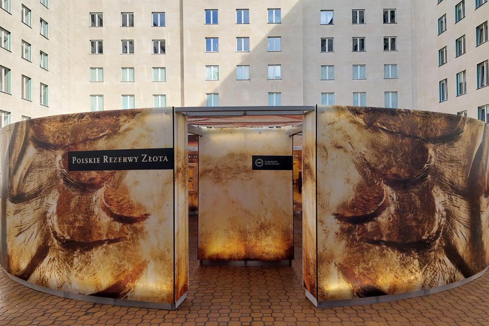 Wystawa plenerowa - Polskie rezerwy złota